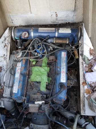 24 foot boat Ford 302 engine needs work