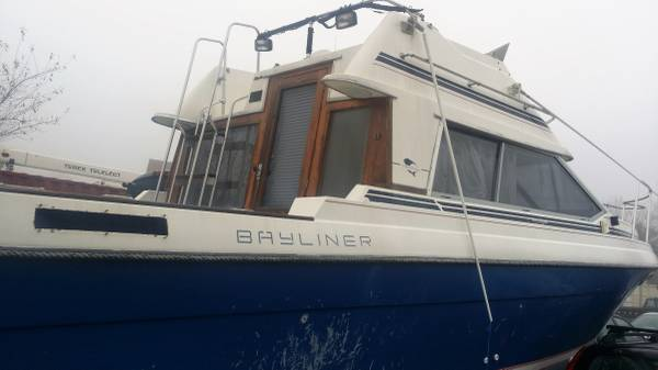 30 ft Bayliner