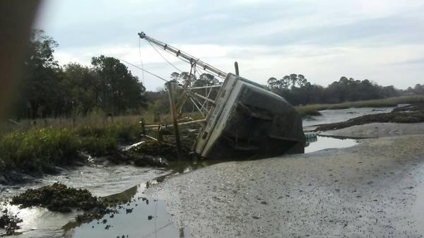 Doc. 36ft shrimpboat needs pumpout and float