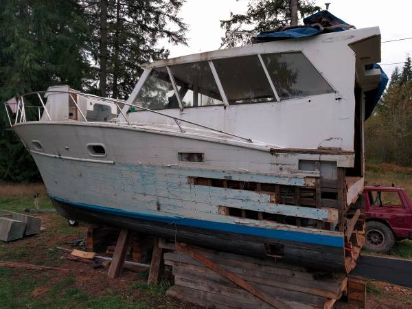 Mancave non floating boat
