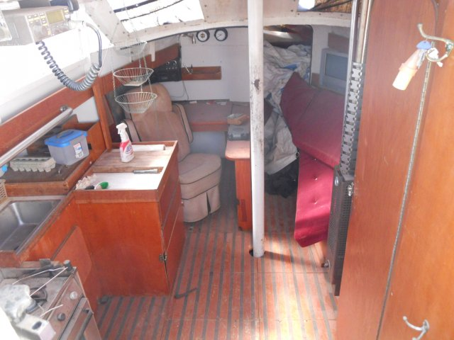Bruce Roberts 36.6 Cabin