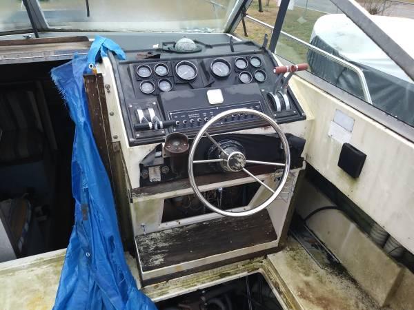 36 WellCraft Cockpit