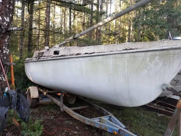 20ft sailoat on trailer