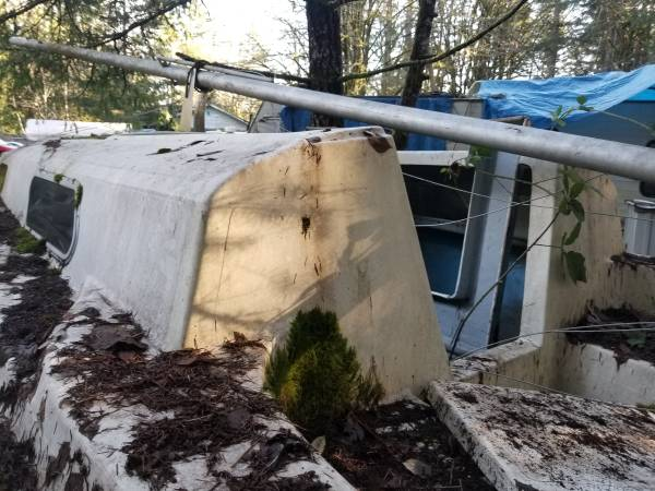 20 foot sailboat needs cleaning
