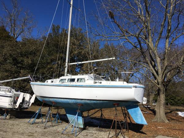 SAILBOAT 1969 Columbia Coronado 30