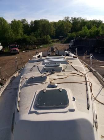 37 Irwin deck forward