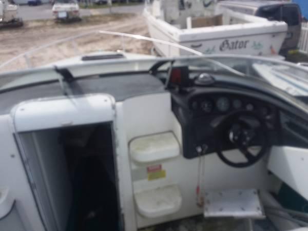 23ft welcraft cockpit