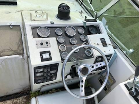 28' celebrity cruiser dial dash