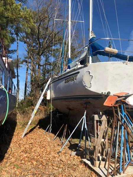44' Bruce Roberts Mauritius sailboat stern