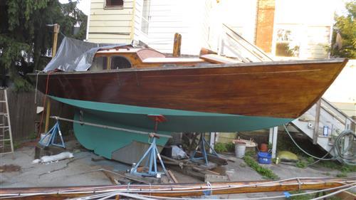 25' Wooden sloop built in Holland 1954