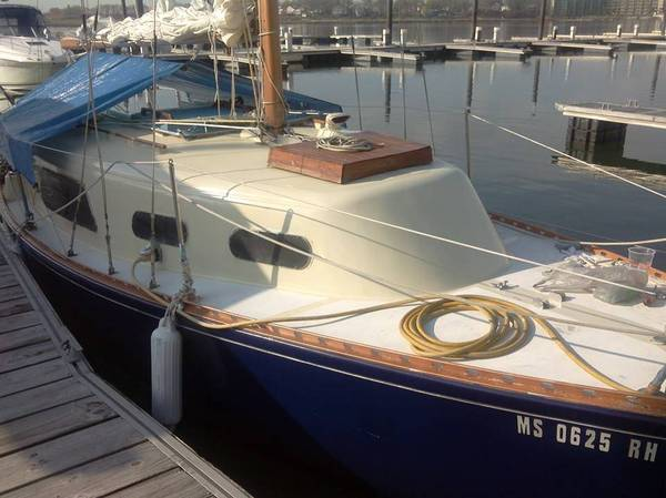 26' Grampian Sailboat in slip