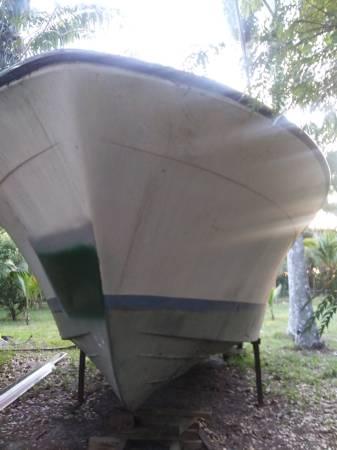 38 Trojan Project boat