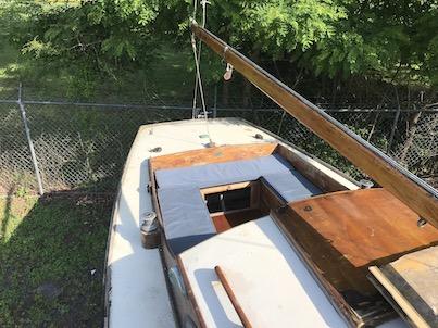 25' dutch wooden sloop cockpit