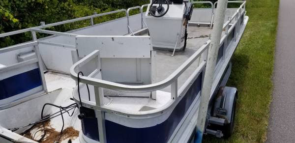 1992 deck boat overview