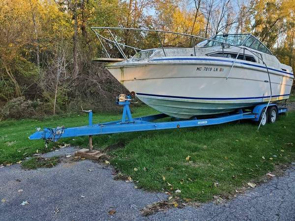 Sea Ray powerboat scrap or project