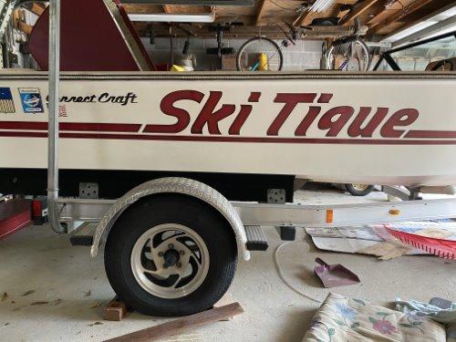 skitique speed boat on trailer