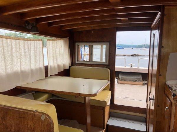 69 Cabin Cruiser 25 Luhrs