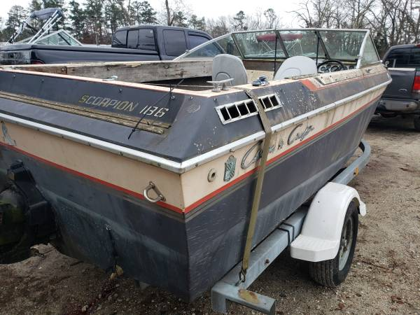 1984 Chris Craft Scorpion 186 stern view