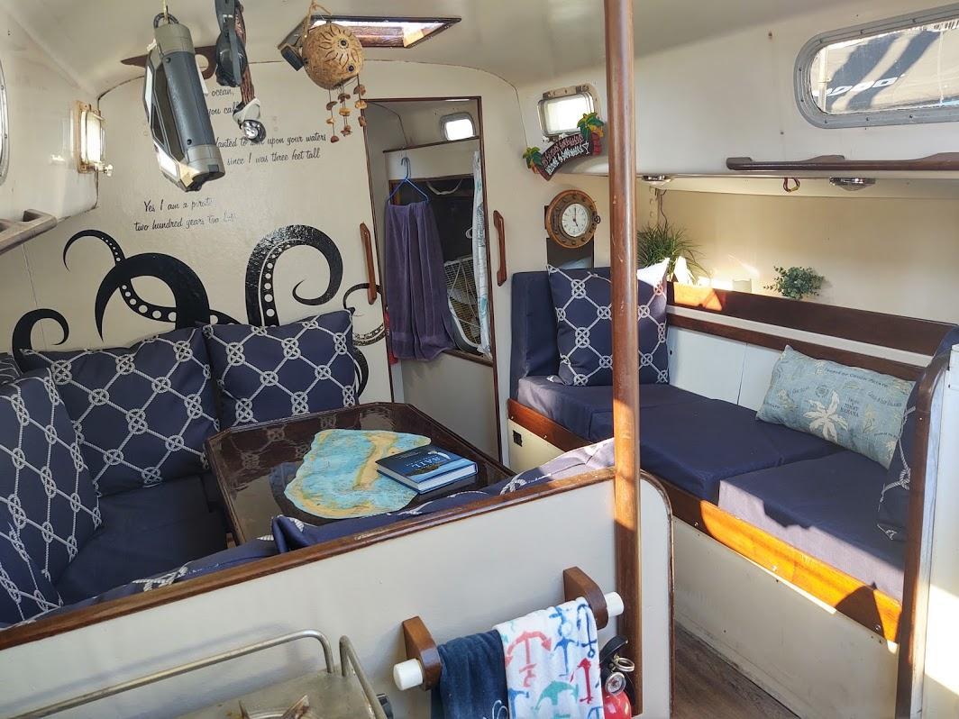 setae main cabin 38 Morgan 1970