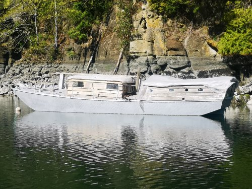 Scow Floating Port Side